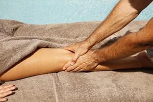 massage contre jambes lourdes cannes