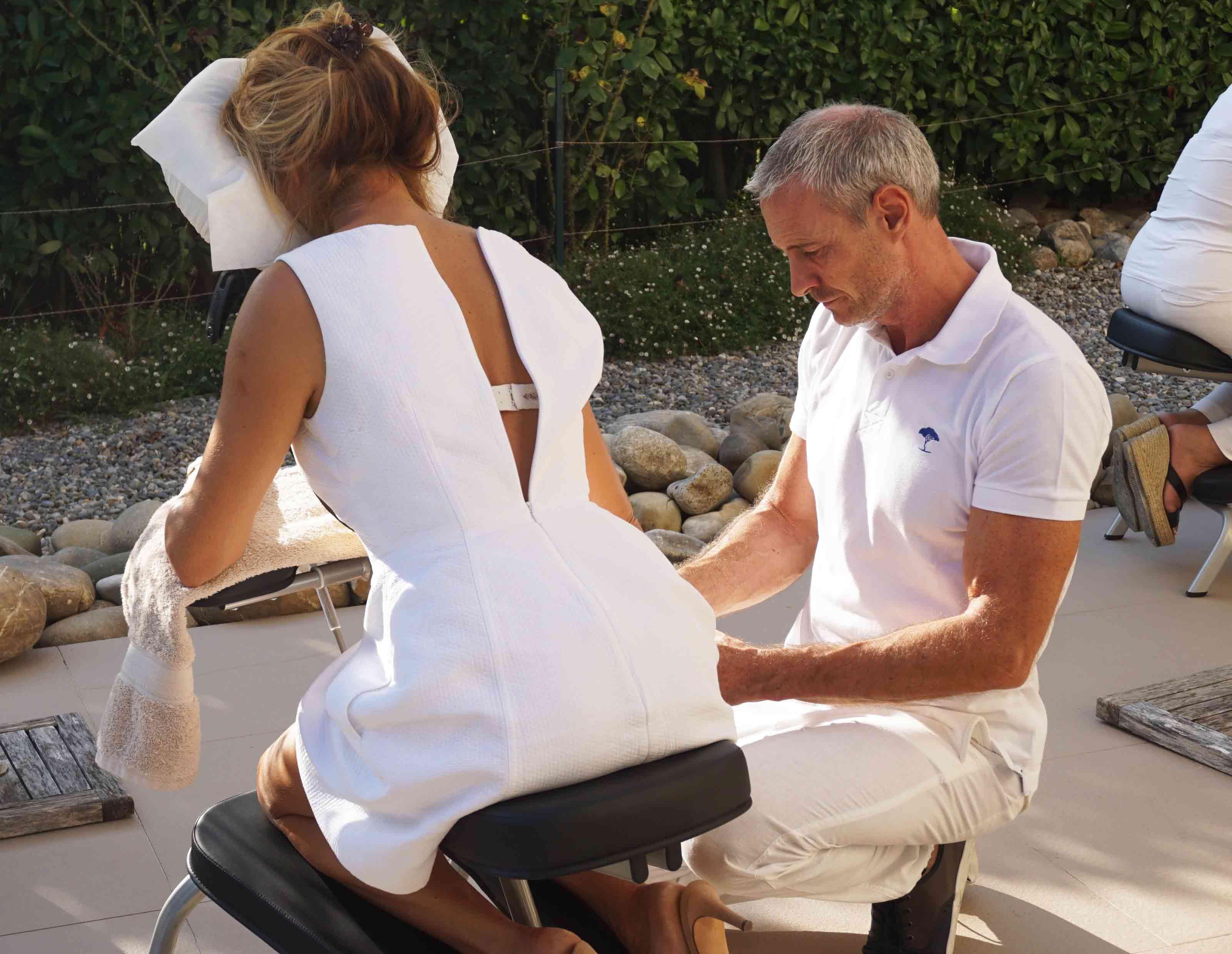 chair massage company mougins, cannes, sophia antipolis
